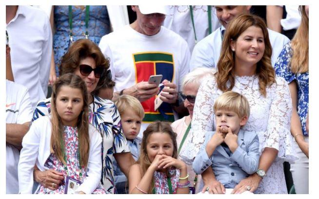 Mirka Federer and the kids