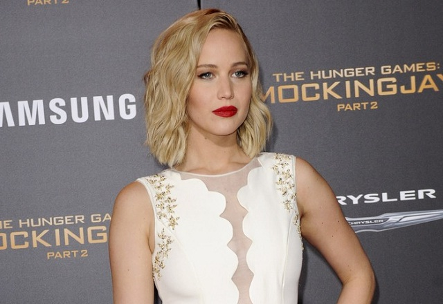 "Jennifer Lawrence complains saying:""I can't live like this.""'"